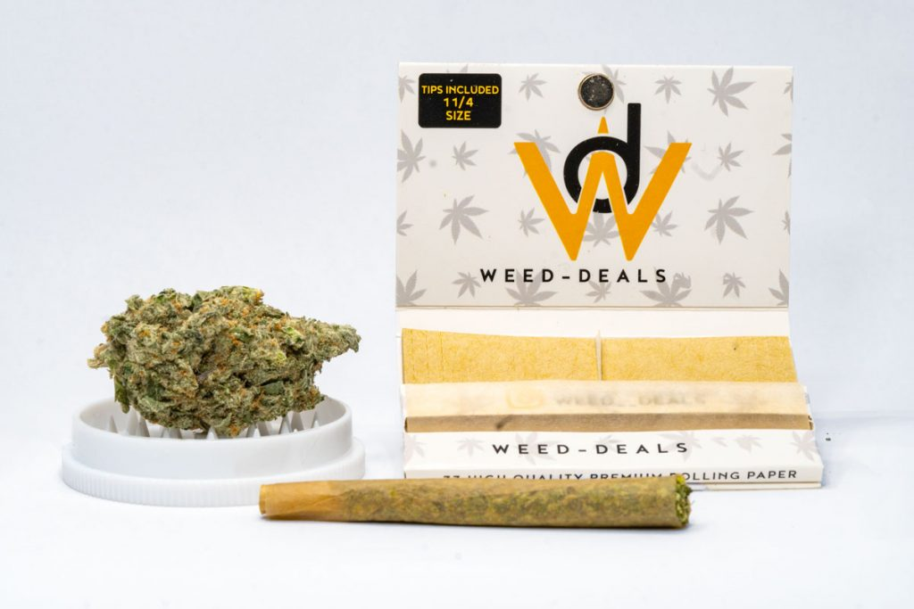 how to roll a joint quick and easy 5 step guide